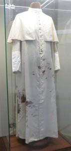Diese Soutane trug Johannes Paul II. am 13. Mai 1981.